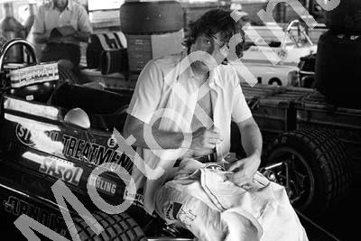 1973 SA GP Jean-Pierre Jarier sewing STP patches (permission Roger Swan) 031