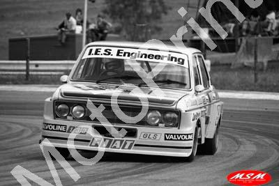 1976 Wynns 22 Fiat 132GLS Errol Shearsby Don Bruins (permission Malcolm Sampson Motorsport Photography) (2)