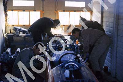1965 a4 1 Ferrari V8 engine change Luigi Borsari left, Mario Forghieri back (courtesy Roger Swan) 003