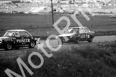 1970 Onyx Kya A210 Dirk Marais Sunbeam Tiger; A200 BMW 2000SA Spencer Schultz (permission Malcolm Sampson Motorsport Photography258