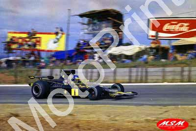 1974 SA GP 1 Ronnie Peterson Lotus 76 (permission Malcolm Sampson Motorsport Photography)(3) - Click Image to Close