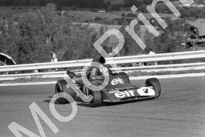 1973 SA GP SS 4 Cevert Tyrrell 006 practice used 005 rebuilt in race (permission Malcolm Sampson Motorsport Photography) (474) - Click Image to Close