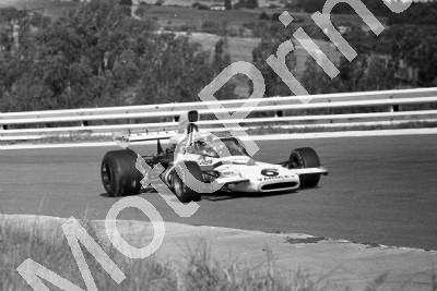 1973 SA GP SS 6 Revson McLaren M19A-2 (permission Malcolm Sampson Motorsport Photography) (541)