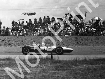 1967 SA GP 11 John Surtees Honda RA273 (3)