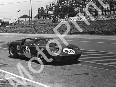 1967 SA GP support 84 Peter Sutcliffe Ford P40 (courtesy David Swan) (3)