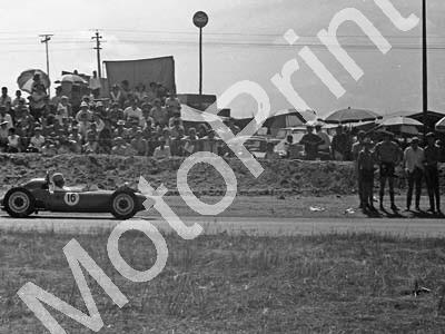 1967 SA GP support FV16 Joe Reventhorst Peco (courtesy David Swan)
