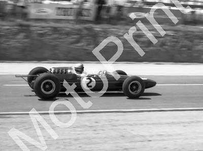1964 Rand GP 2 Mike Spence Lotus 33 Climax NOT PIN SHARP cropped (courtesy David Swan) cleaned