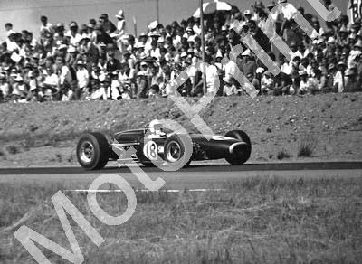 1967 SA GP 18 Sam Tingle LDS Climax Mk3B cropped