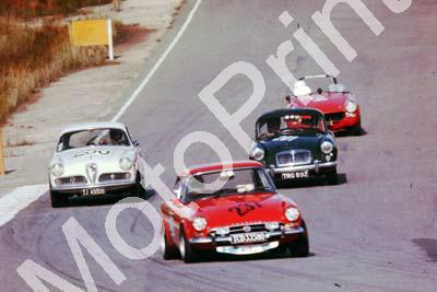 1977 Kyalami HRCR 200 Alfa 237 Theo Simpson Sunbeam Tiger 201 Laurie le Roy MGA (courtesy David Swan) (40)