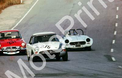 1977 Kyalami HRCR 236 Pieter Booysen Sunbeam Tiger 237 (courtesy David Swan) (36)