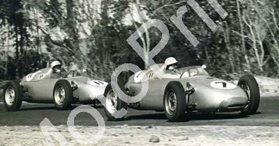1960 Cape GP 5 Dec 7 Stirling Moss, 11 Jo Bonnier Porche