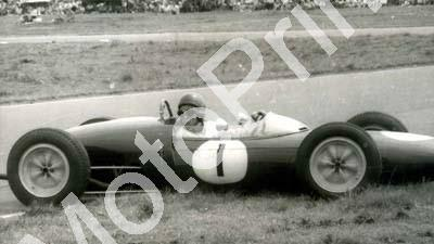 1961 SA GP EL Jim Clark spin Lotus 21