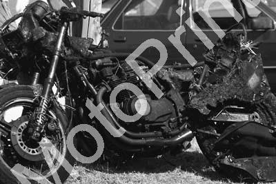 1984 EL Brut GP MC ...crash Kawasaki (Colin Watling Photographic) (32)