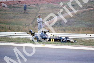 Lotus 76 Peterson stranded