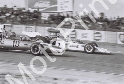 1971 Kyalami Ackermann McL M10; Charlton Lotus 72 (IvH files) (26)