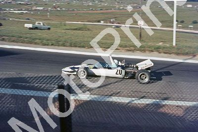 (thanks Stuart Falconer) a 227 1971 SA GP Surtees signalling