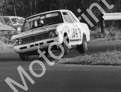 1966 (thanks Roger Pearce) B Podmore Cortina Grosvenor Motors (8)