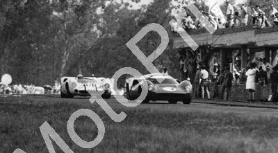 1967 (thanks Roger Pearce) Natal 3hr P Hawkins Lola T70 2nd; Serrurier Pretorius Lola T70 winners (99)