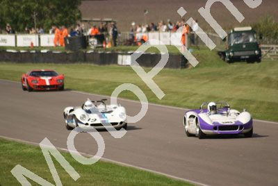 19 Gary Pearson Lola Chev T70 96 Andrew Beaumont McLaren Chev M1B practice (25)