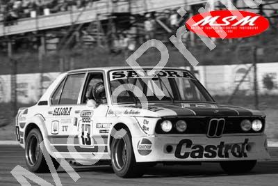 (permission Malcolm Sampson Motorsport Photography) 1976 Wynns 1000 13 BMW 530 I Scheckter (in car) Keizan (27) LOGO NOT ON PHOTO SOLD - Click Image to Close