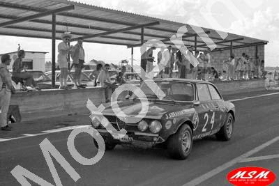 1971 SL Free State 3hr Jan Alfa GTV John Abrahams, Dirk Marais 13th (permission Malcolm Sampson Motorsport Photography)
