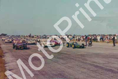 1964 St Albans Lotus 21 Lionel Rowe (right) Lotus 7 Dennis Guscott (left) poor photo quality (courtesy Lionel Rowe)