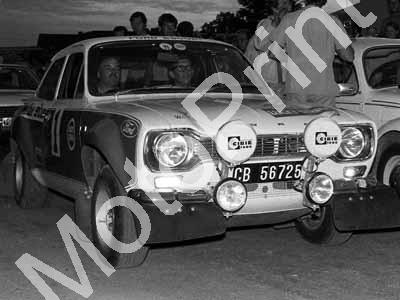 1973 Lucky Strike 1 Elbie Odendaal, Christo Kuun Escort 2nd (courtesy Roger Swan) (35a)