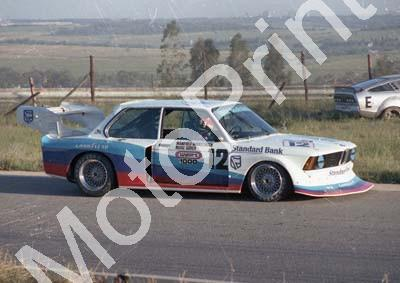 1977 Kya Wynns 1000 12 Marc Surer, Manfred Winkelhock BMW320 taking a long look (Colin Watling Photographic) (4)