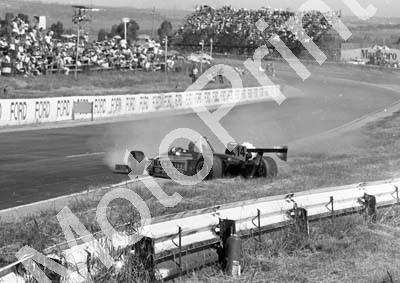 1984 Kya FA 14 Roy Klomfass crash sequence (Colin Watling Photographic) (10)