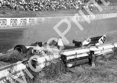 1984 Kya FA 14 Roy Klomfass crash sequence (Colin Watling Photographic) (12)