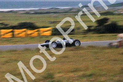 (thanks Stuart Falconer) a 040 1962 EL SA GP G Hill BRM practice cropped more